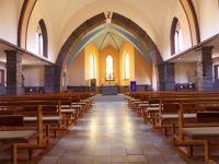 Kirche_innen_vorn